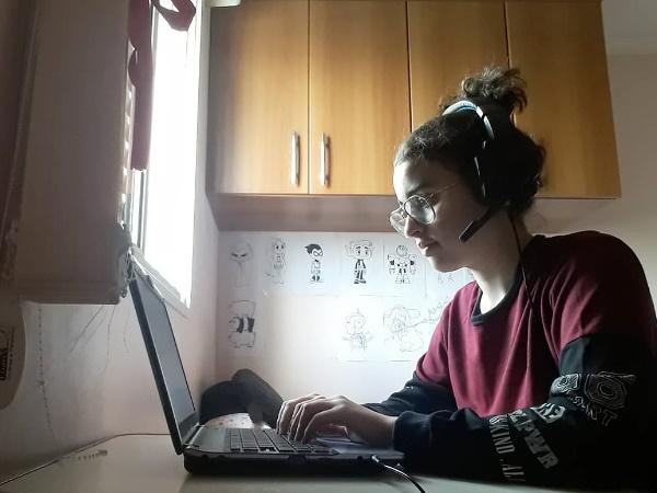 Foto de uma adolescente da turma de Jovens.